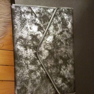 It for Ulta cosmetic brush clutch